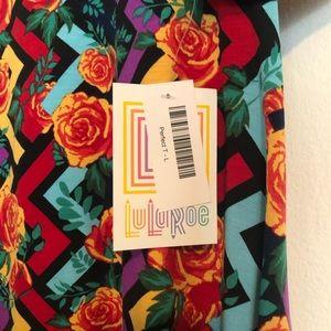 LuLaRoe Multicolored Perfect T. Size L.